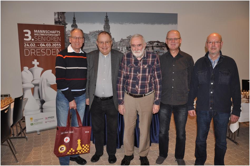 Die Teilnehmer vom SSC Graal-Müritz (Reinhard Schröter, Günther Kundt, Peter Micheel, Horst van Bentum, Rolf Müggenburg (von li. nach re.))